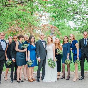 Bröllop i Berseli park, brudfölje, bröllopsfotograf